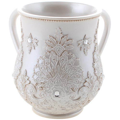 An  Elegant Polyresin Washing Cup 14 Cm Inlaid With Stones