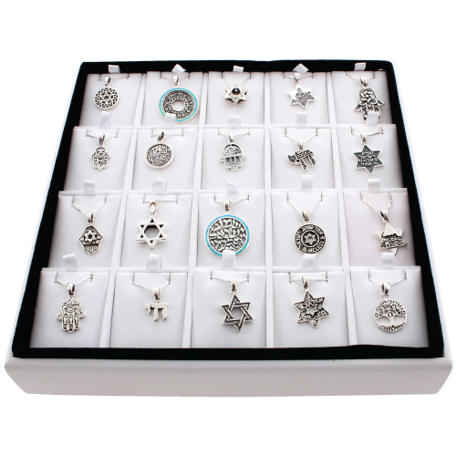 Full Display- 20 Elegant Pendants With Chains