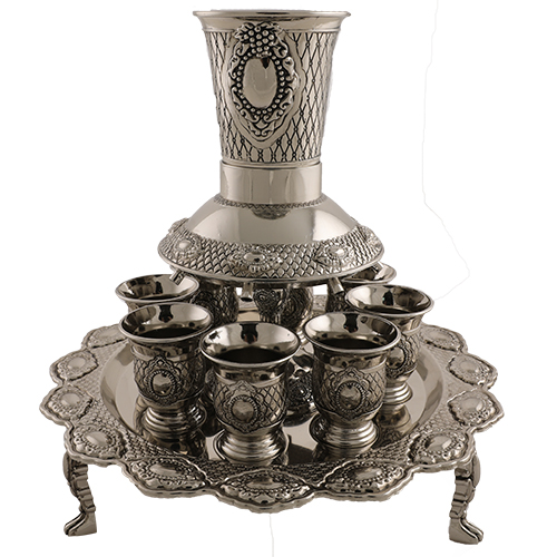 Nickel Plated Wine Divider With 3 Legs And Kiddush Cups